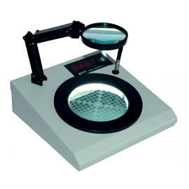 CONTADOR DE COLONIAS Adapta distintos tipos de placas petri Incluye lupa con soporte de 1.5x y lapiz marcador
